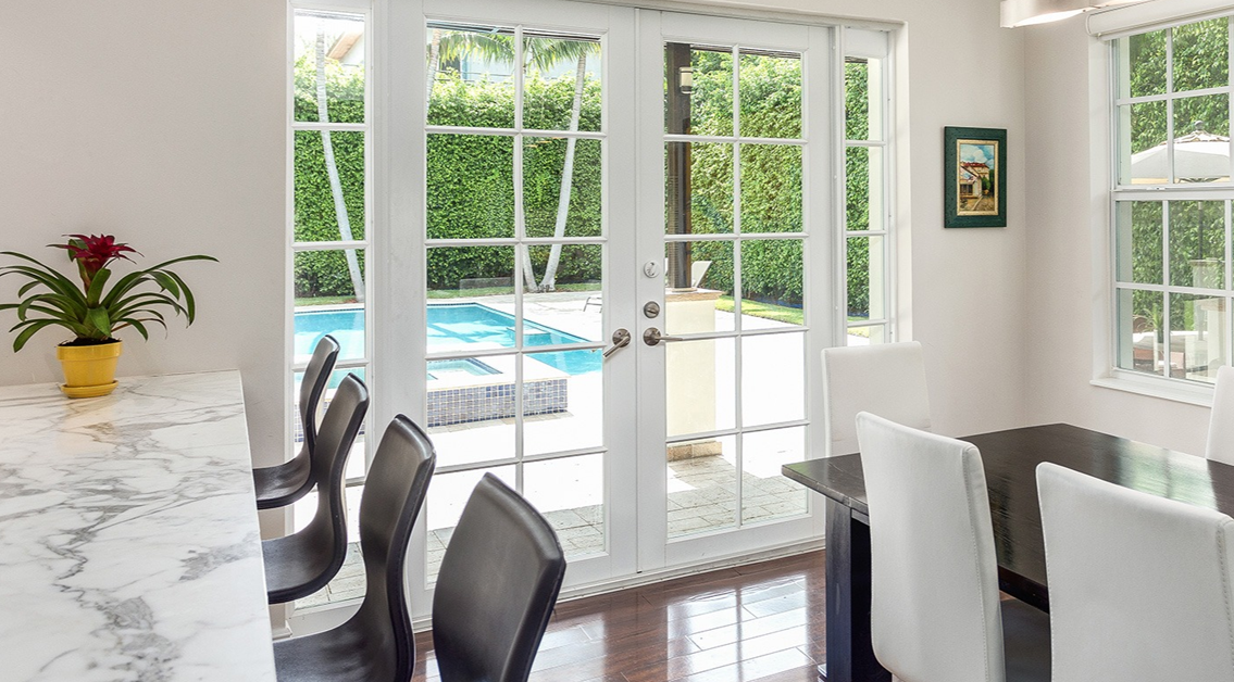ESSENTIAL FRENCH DOOR